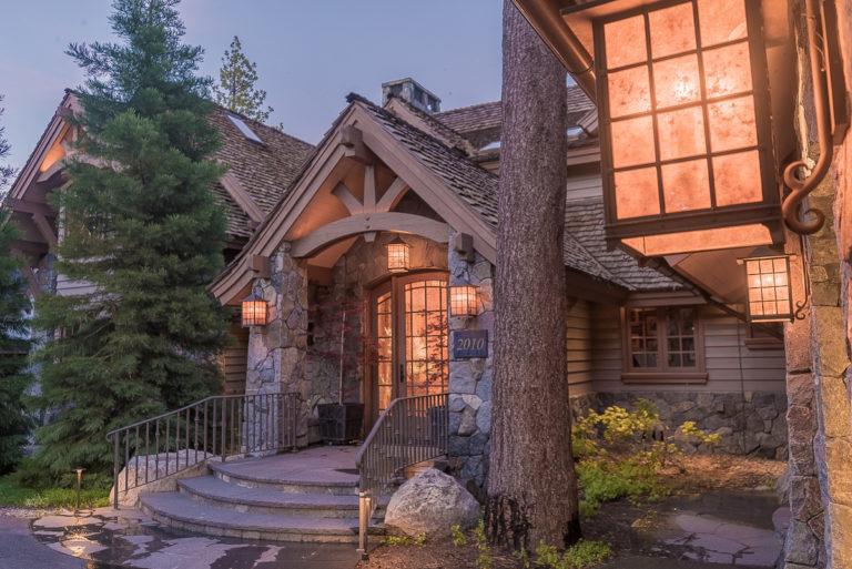 2017-06-02-20-31-18-Tahoe_Mountain_Realty-BaseCamp_Tahoe_Lakeside-SA7SJF1-JB1-01-SPH-SB1L-DSC04622-HDR