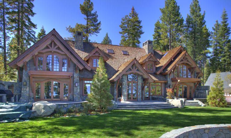 Lakeside of House2